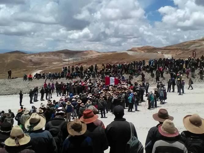Strike at HudBay's Constancia mine; Photos: Human Rights Without Borders - Cusco