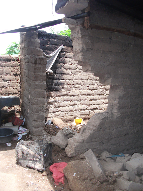 Damage to Home in La Cuchilla, San Rafael Las Flores