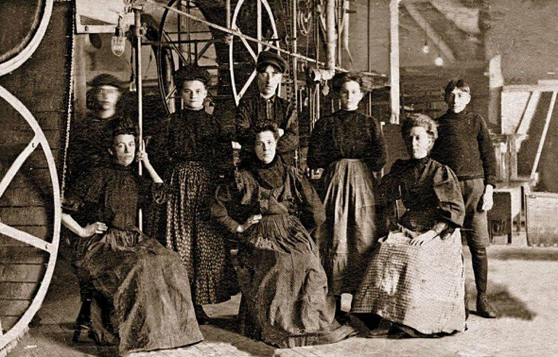Women Workers at Eddy Match Factory in Hull Quebec ca.1880
