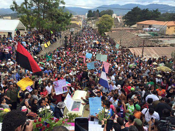 Thousands attend Berta Cáceres' burial in La Esperanza, Honduras; Photo: Telesur English